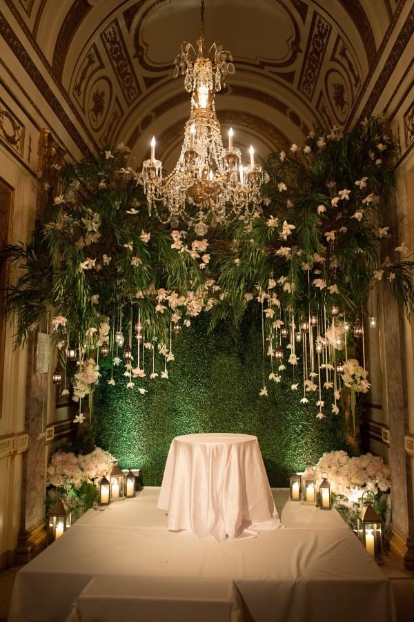 Gay Wedding: Tantawan Bloom