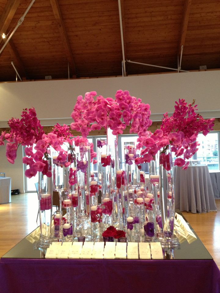 Tantawan Bloom Modern Flower Design for Wedding