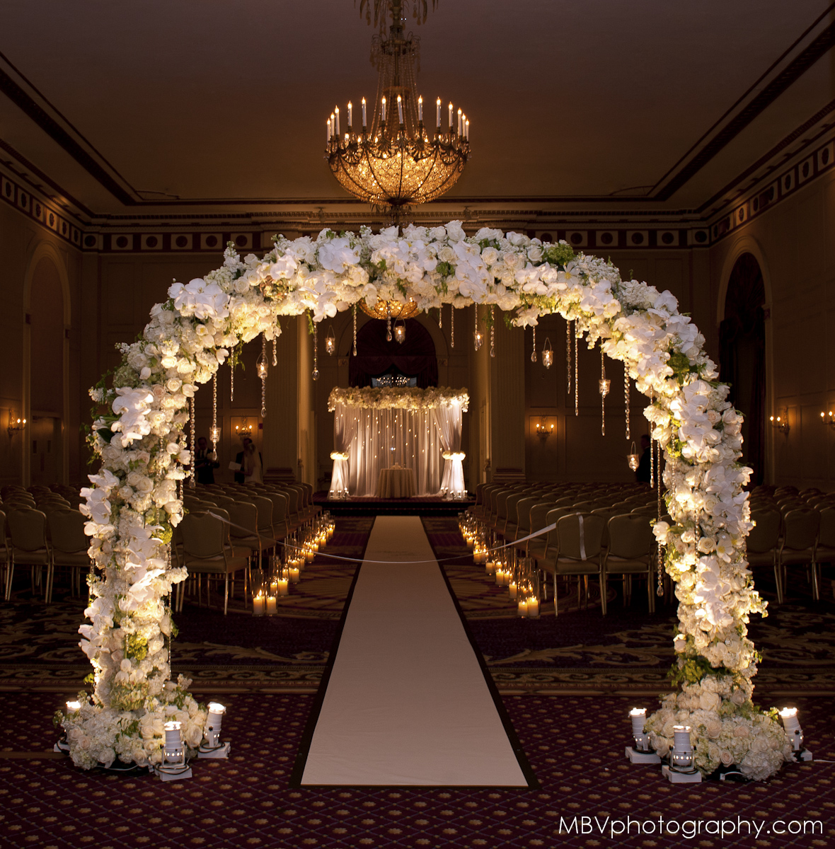 The Aisle Decor for the Wedding by Tantawan Bloom New York