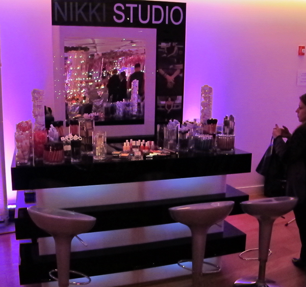 The make up station