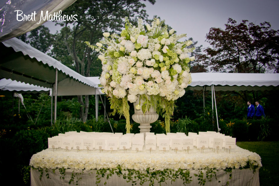 White Carnation table
