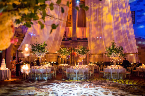 Wedding design at Gotham Hall by Tantawan Bloom
