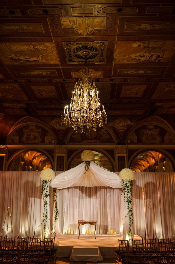 The chuppah design by Tantawan Bloom NY